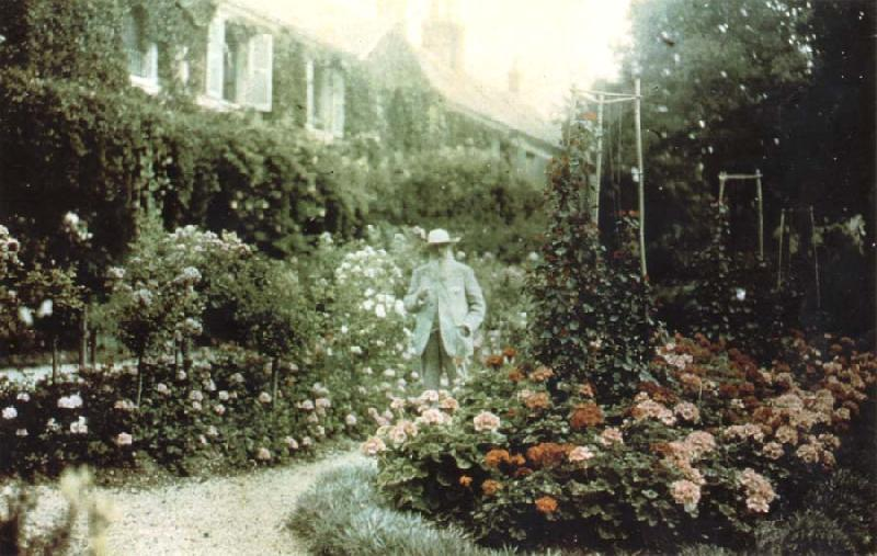 Claude Monet Monet in his garden at Giverny oil painting picture